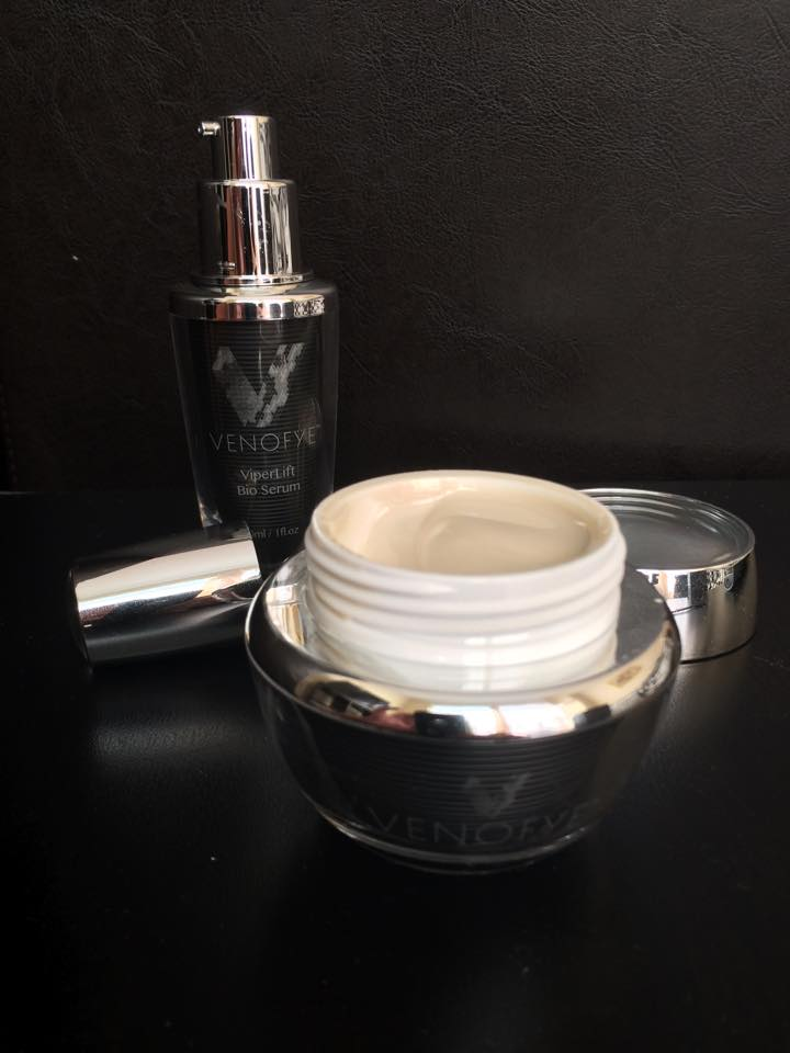 Venofye ViperLift Bio Mask and Serum with lids off