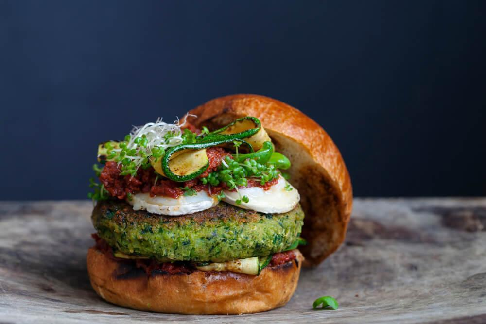 Burger with pesto