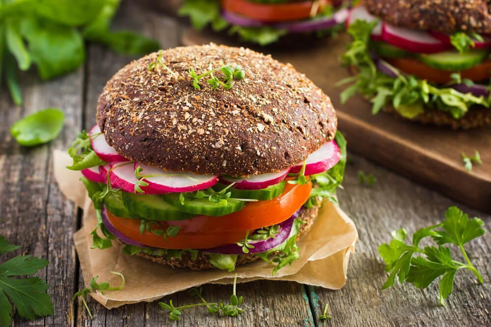 Burger with wholewheat bun